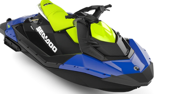 KEY SPECS Horsepower: 60 hp or 90 hp Fuel Capacity: 7.9 gal. (30 L) Rider Capacity: 2 or 3 FEATU RES