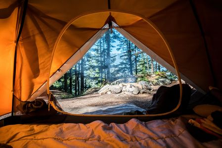 Camping Photo by Scott Goodwill on Unsplash