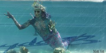 Aquatic performers for TV, Film, music videos, commercials, news broadcasts, promo reels.