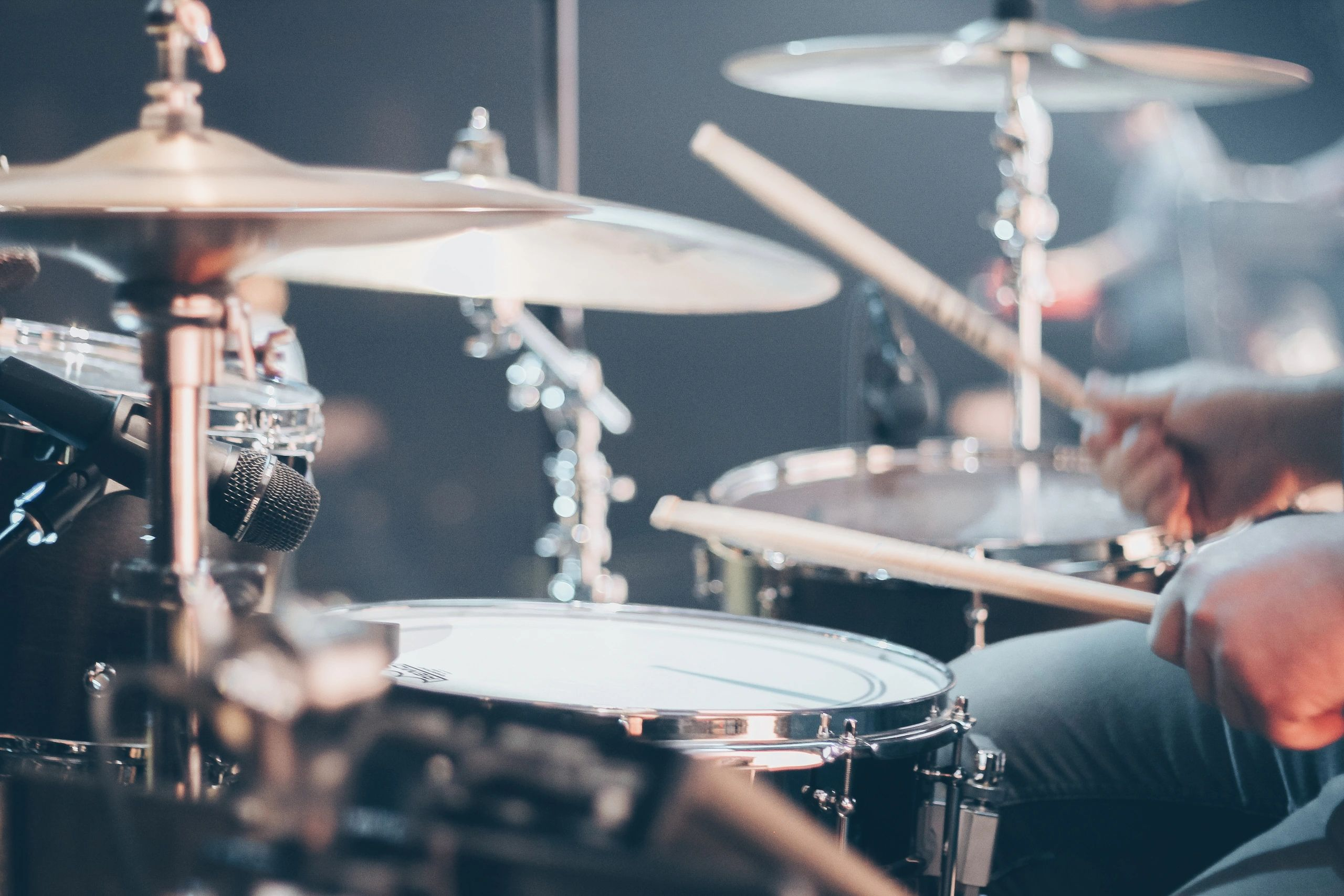 Drum Lessons in Los Angeles. Learn to play drums.