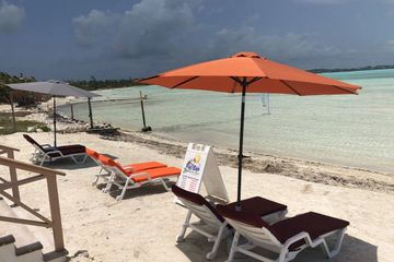 Umbrella and Lounge Chair Rentals At Five Cays Water Sports