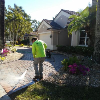 Pressure Cleaning Makes a huge difference of how clean a home or business may look. Weston Hills, FL