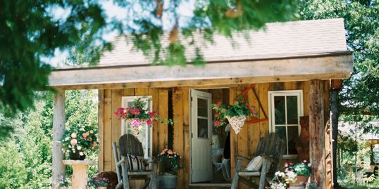 Our Bridal cabin couples gathers here with wedding parties.