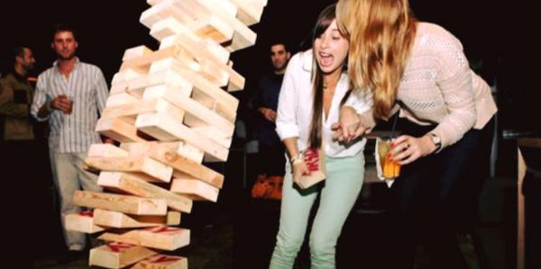 Playing Giant Jenga & Drinking Spider City Deer Garden Hazy IPA at Dickens Street Public House