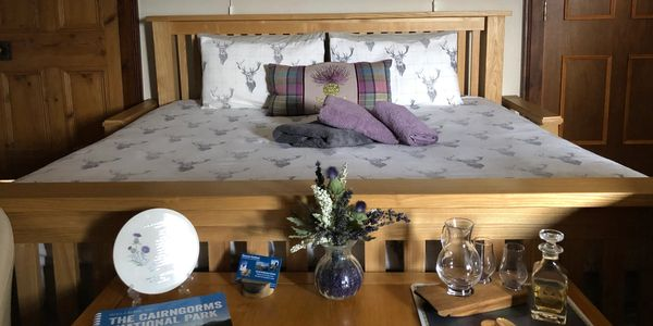 Thistle Room, Super Kingsize bed