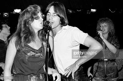 Rosemary sang behind some of the greatest talents of the 70s incl. Bonnie Raitt & Jackson Browne.
