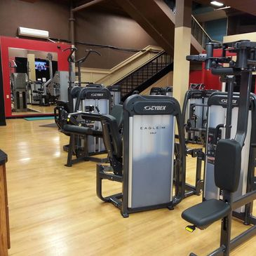 Watertown Wellness Center 24 hour fitness bodybuilding, personal training, sauna, redlight therapy