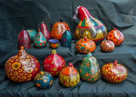 picture of many gourds that Margo has made. Contemporary designs.