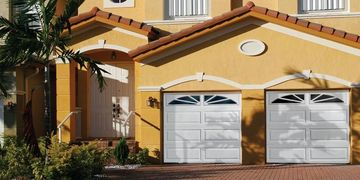 Doorlink Mfg 3690 Raised Ranch Panel Garage door