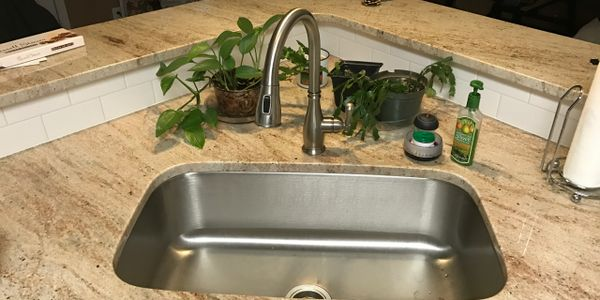 New kitchen faucet and sink