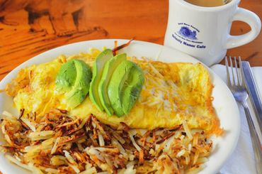 Grizzly Manor Cafe build your own omelette with avocado