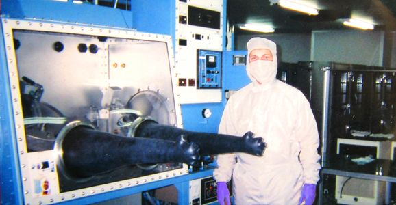 Glovebox used in clean room
