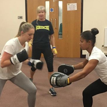 boxercise exercise class mytholmroyd hebden bridge sowerby todmorden luddendon fat loss weight fun