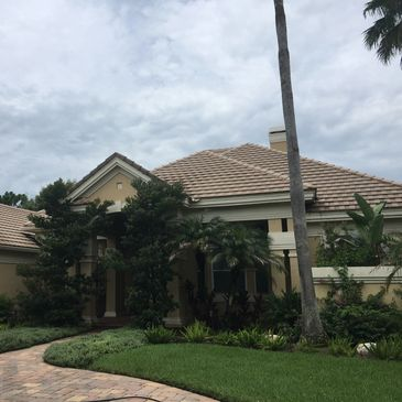 ONIX Pressure Washing Services in Tampa, Brandon, Zephyrhills, Wesley Chapel and Dade City Florida.