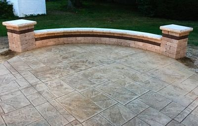 Stamped concrete, seatwall, columns, Outdoor living space, hardscape contractor, patios