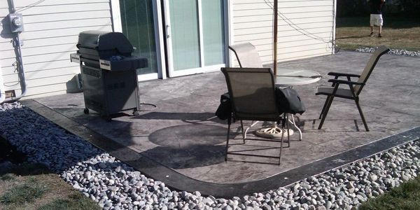 stamped concrete patio, deocrative concrete, outdoor livining spaces, led lighting in concrete