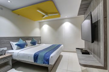budget hotels near Bangalore international airport,hotels close to domestic Bangalore