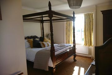 Room 3 125/night Beautiful four poster bedroom with large ensuite corner bath and shower over.