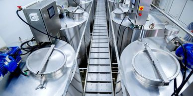 Food and beverage tanks