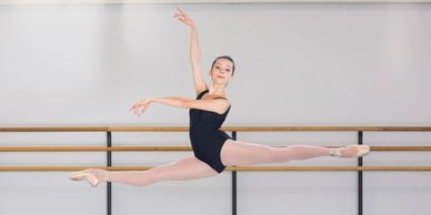 Ballet Together Advanced Ballet Classes for ages 14+.