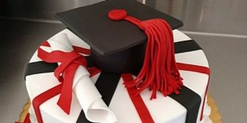 Graduation Cake Photos