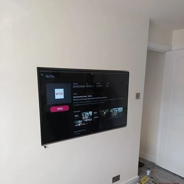 Flat screen wall mounting. TV wall mount. Recessed wall mounting.