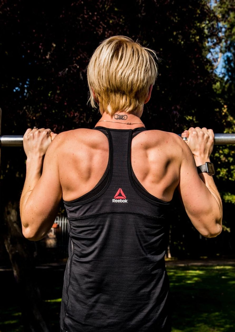 Jodie Standish back muscles. fitness female fitness. Personal training. personal trainer