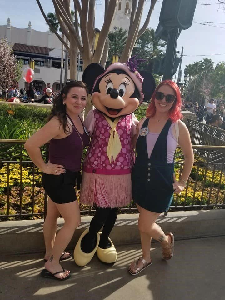 Disney travel agent, Disneyland, Disney vacation planning, mom, fashion