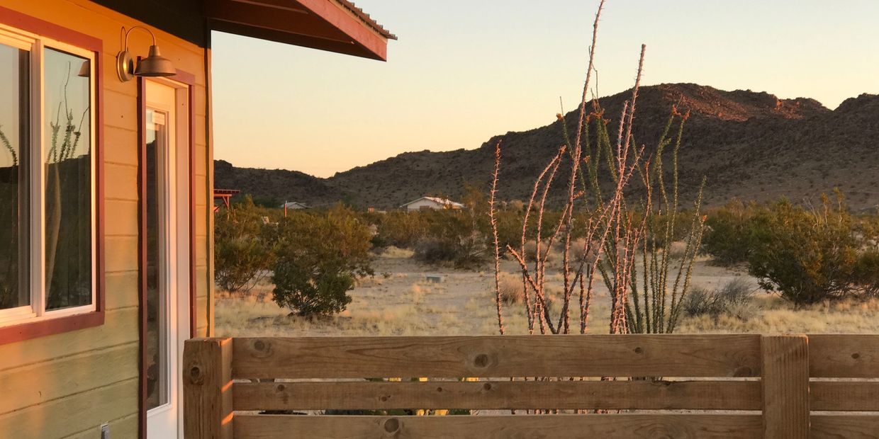 MOJAVE GREEN CABIN in Joshua Tree