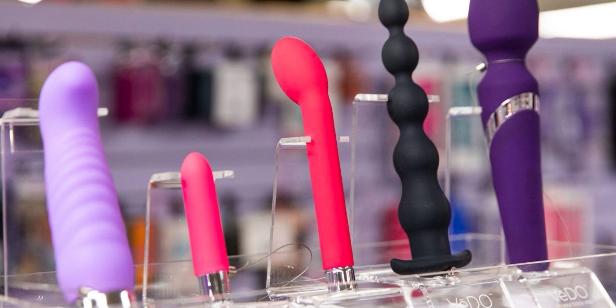 Thrusters, Bullets, Beads, G-Spot Vibrators and mini Vibes on display to see up close. Try to test power and toggle between functions.Feel each samples actual texture and there groves or bend functions. From owmanizer to we vibes, le reve, cal exotics, and more great on display testers for any types of pleasures.