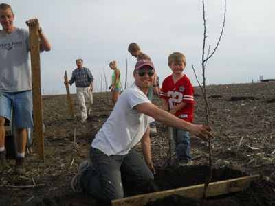Many good friends helped us plant 1,000 trees.