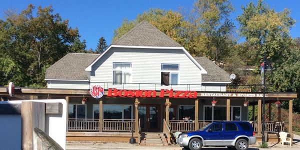 Boston Pizza, Parry Sound Ontario A restaurant tike a friendly, family home with a view!