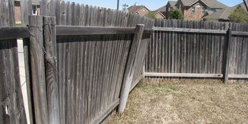 Damaged fence post causing the fence to lean found by inspector at home in Houston inspection cost