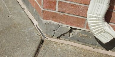 Houston home inspector Inspection Company quote Foundation corner crack at inspection in Houston.