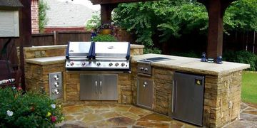All outdoor kitchen appliances included in Houston inspection services inspector reviews best quote
