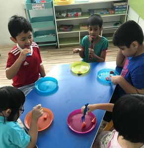 autistic kids learning to eat on their own