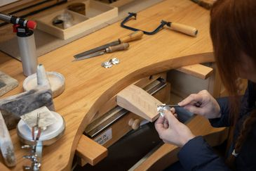 make your own jewellery or weddings rings workshops with tuition