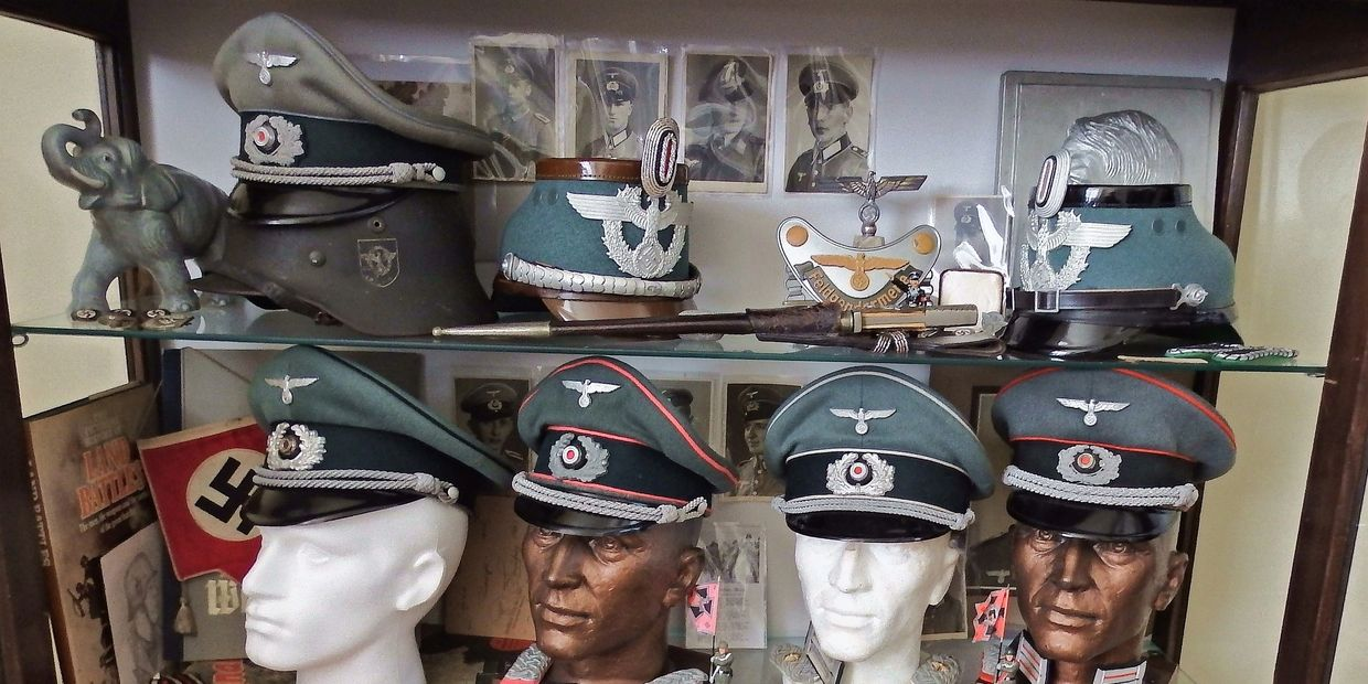A good selection of original Visor caps ,police Shako's and helmets in stock ,ask for details..