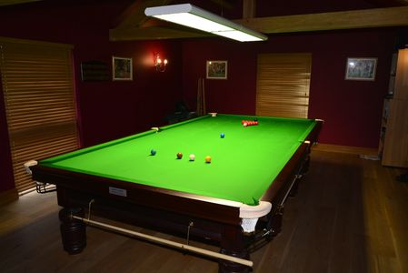 The Snooker Room and Snooker Table at The Snooker Barn