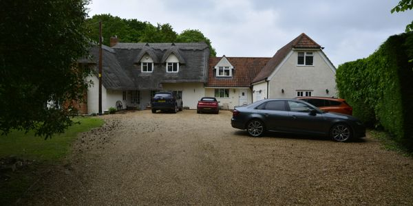 Parking availability at The Snooker Barn