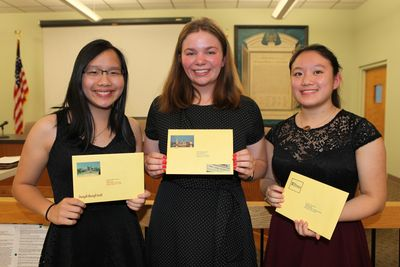 2019 Awardees - Kacey Yip, Nina Ruffolo and Roshie Xing - Click on the picture for more pictures!