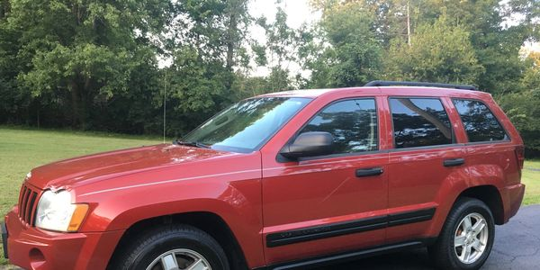 2006 JEEP GRAND CHEROKEE LARED0 90,000 miles  3.7 litre V-6 Automatic transmission AWD