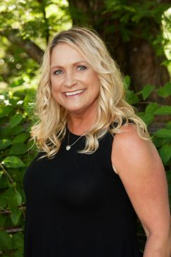 Photo of esthetician Kimberly Luckey