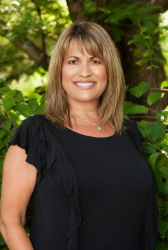 Photo of co-owner Sue Rowland