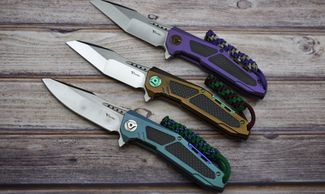 Custom anodized Reate Knives.