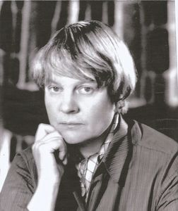 Iris Murdoch by Madame Yevonde, 1967. Courtesy of Mary Evans Picture Library.