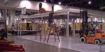 Installation and dismantle I&D services for trade shows and conventions