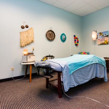 Island Time Spa in Stillwater, MN is decorated in a beach theme.
