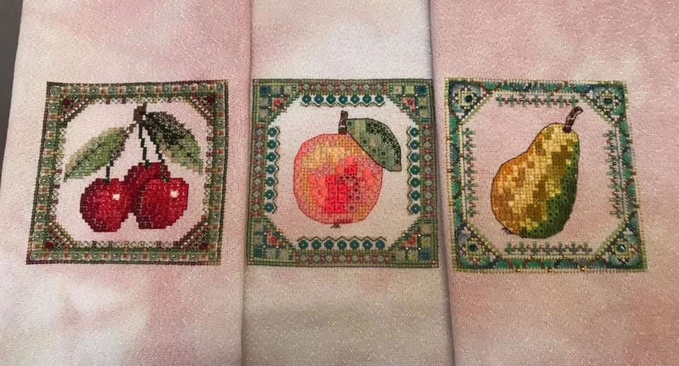 Summer Fruit Cherries, Apple & Pear by Jessica Murphy on 28ct Jamaica Sparkle from Silkweaver, substituted Silk Mill silks for DMC