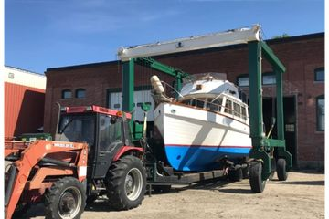travel lift, boat transport, truck, storage, delivery, haul, boat, maine, rumerys, biddeford, spring